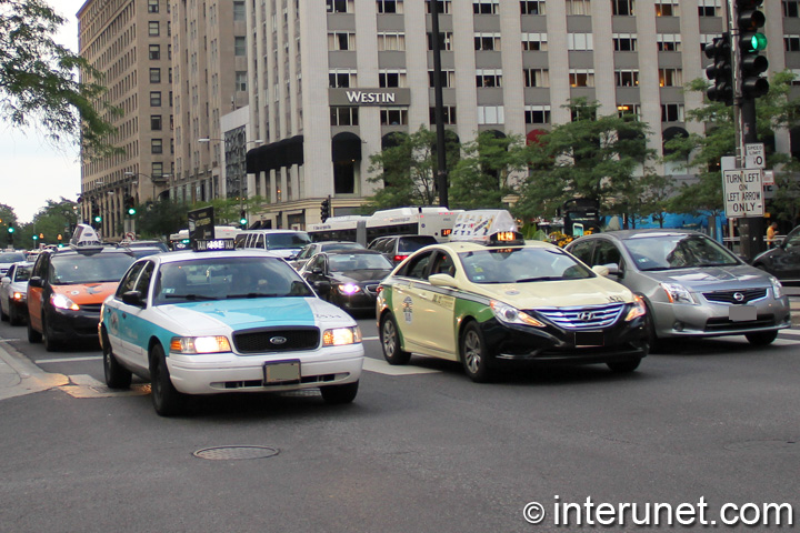 Taxi on Michigan Avenue in Chicago