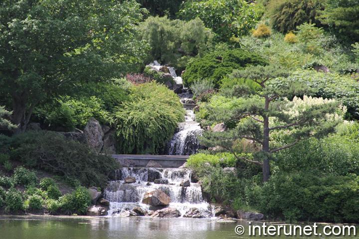 Waterfall in Chicago Botanic Garden