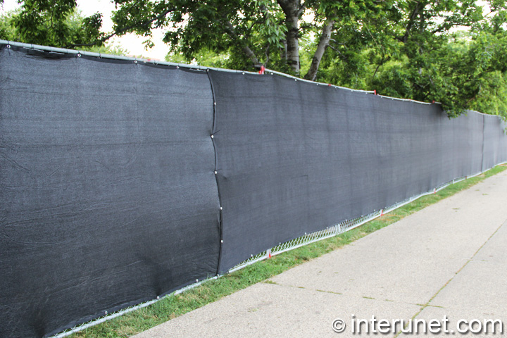 commercial chain link fence with screen