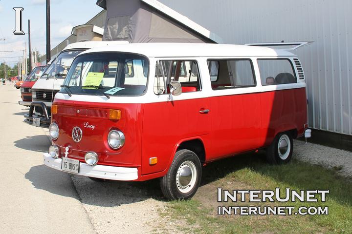 1975-Volkswagen-Bus