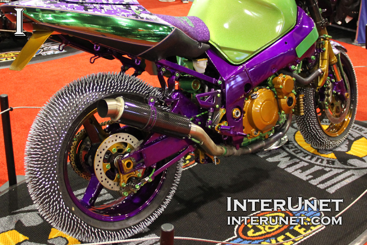 motorcycle-with-screws-in-tires-for-ice