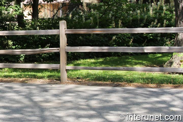 horizontal-three-rail-farm-fence