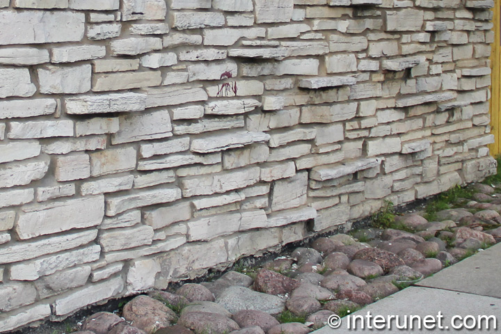 natural-stone-fence