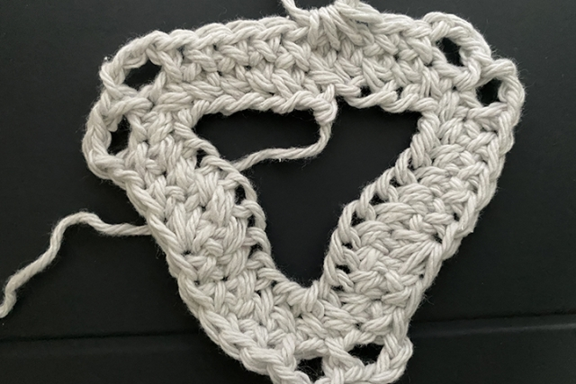 second row of lace summer top crochet pattern