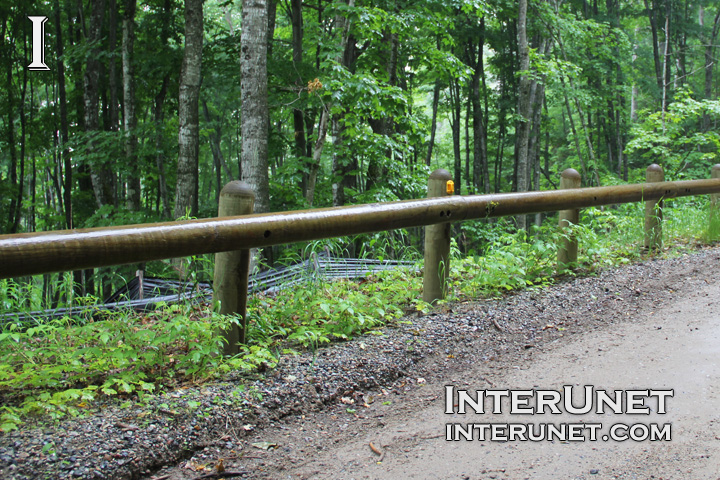 Single Rail Wood Barrier Interunet