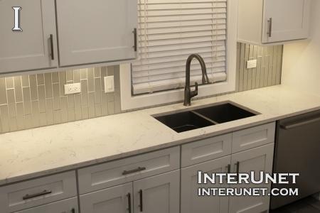 modern-kitchen-with-quartz-countertop