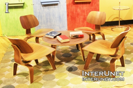 table-with-chairs