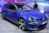 2015-Volkswagen-Golf-R