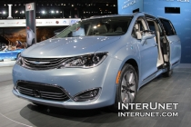 2017-Chrysler-Pacifica-Hybrid-electric