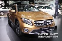 2018-Mercedes-Benz-GLA-250-4Matic-lights-front