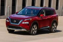 2021 Nissan Rogue Platinum AWD driving