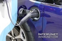 Chevrolet-Volt-charging