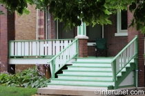 combination-of-green-and-white-colors-on-porch
