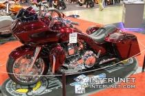 2015-Harley-Davidson-Road-Glide-custom