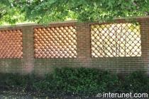 custom-designed-brick-fence