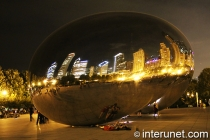 Cloud Gate - The Bean amazing sculpture view at night
