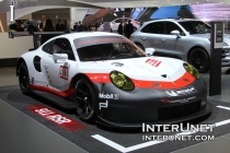 2017-Porsche-911-RSR