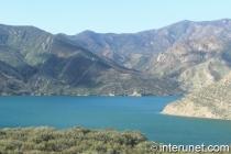 amazing-view-of-mountain-lake
