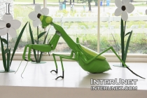 Grasshopper sculpture in The Peggy Notebaert Nature Museum