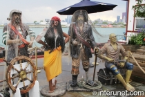 pirates statues on Navy Pier in Chicago