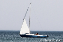 sailboat-on-Lake-Michigan