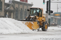 tractor-plowing-snow-in-Chicago