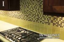 kitchen-backsplash-glass-tile