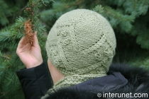knitted-women's-hat