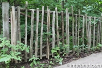 unusually-simple-agricultural-fence