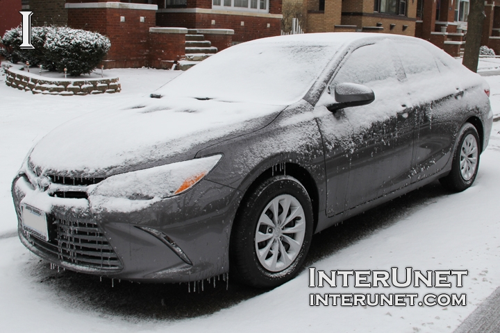 2016-Toyota-Camry-in-the-snow