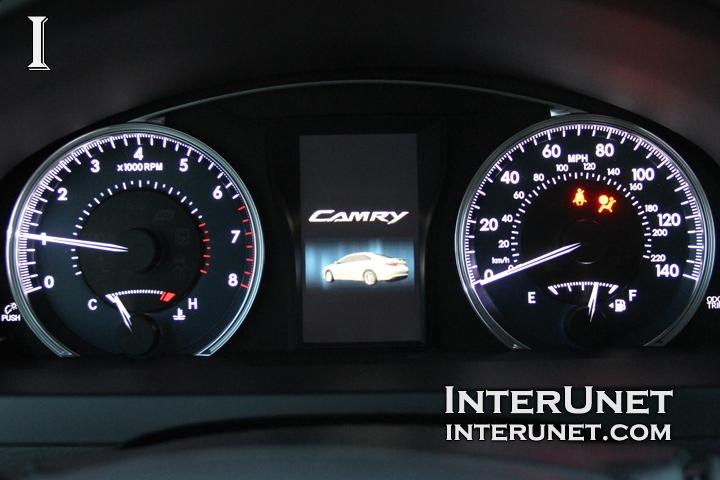 2016-Toyota-Camry-speedometer-and-tachometer
