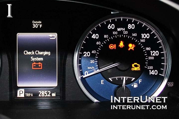 2016-Toyota-Camry-speedometer