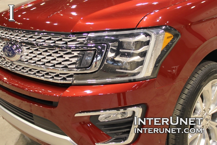 2018-Ford-Expedition-MAX-front-lights