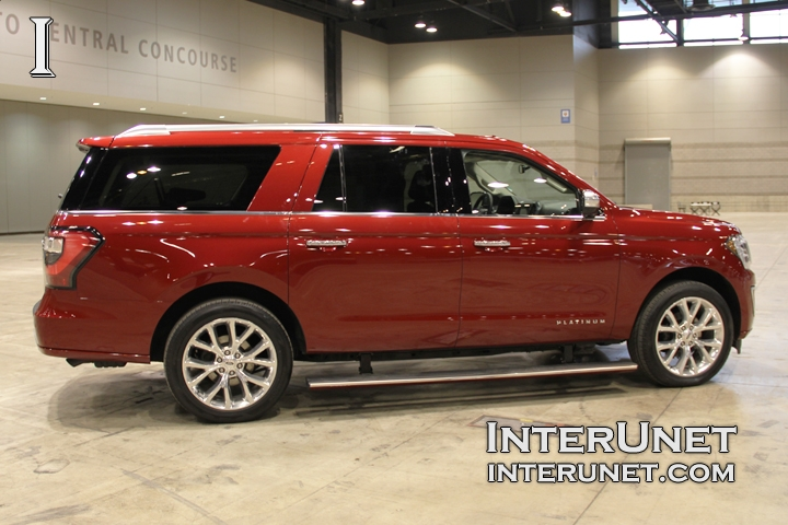 2018-Ford-Expedition-MAX-passenger-side