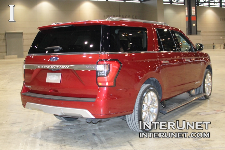 2018-Ford-Expedition-MAX-rear-right