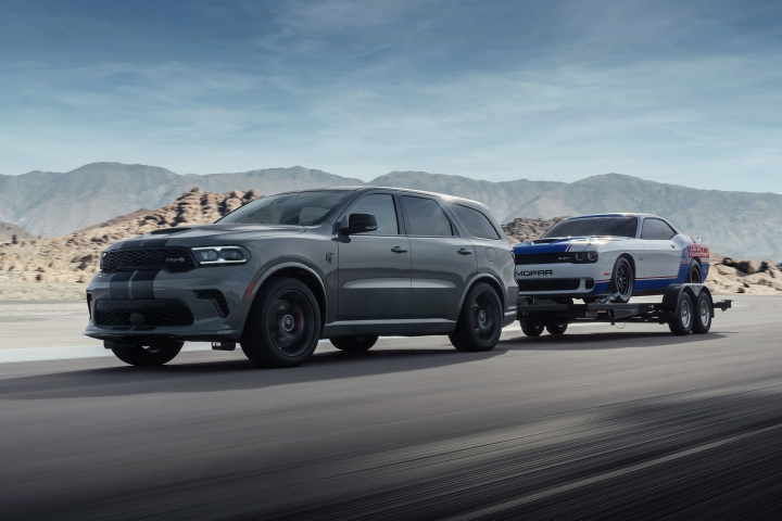 2021 Dodge Durango SRT Hellcat towing trailer