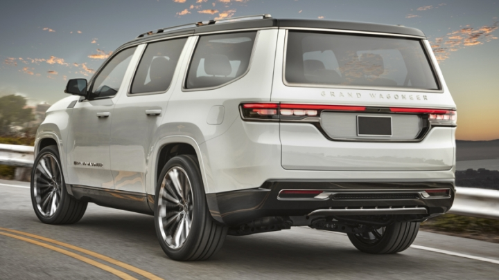 2021-Jeep-Grand-Wagoneer-electric-suv