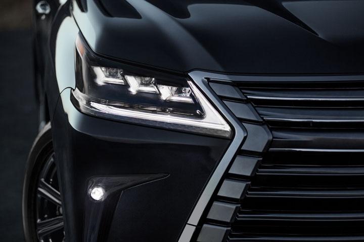 2021 Lexus LX 570 front