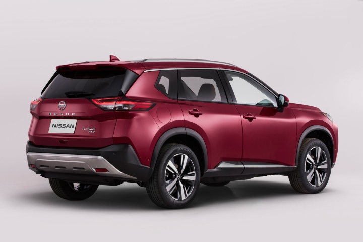 2021 Nissan Rogue AWD passenger side
