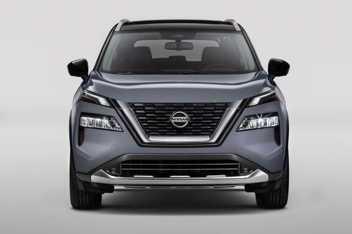 2021 Nissan Rogue Platinum front