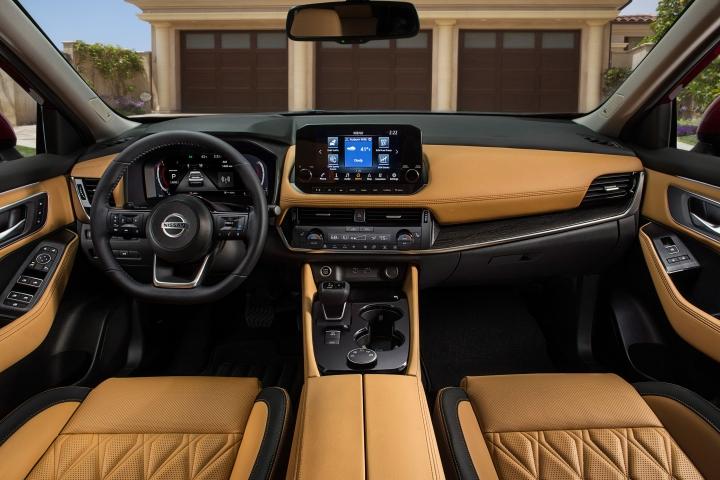 2021 Nissan Rogue Platinum leather interior