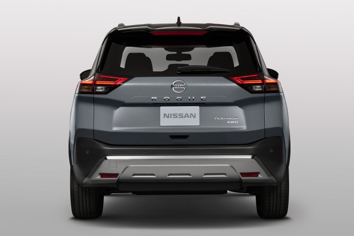 2021 Nissan Rogue rear view