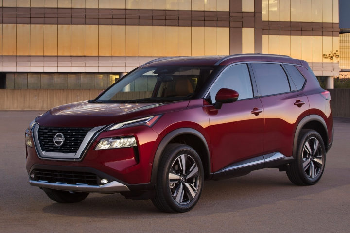 2021 Nissan Rogue Platinum red