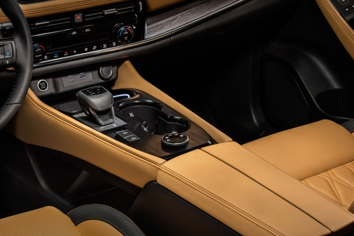 2021 Nissan Rogue Platinum inside