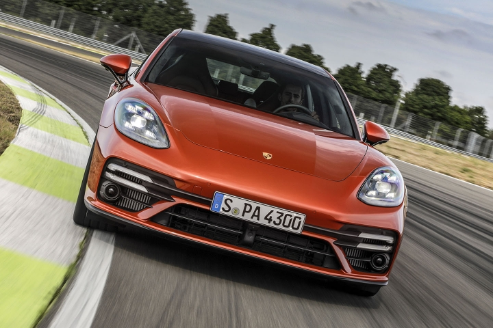 2021-Porsche-Panamera-Turbo-S-test