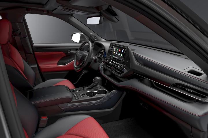 2021 Toyota Highlander XSE inside