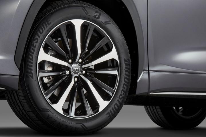 2021 Toyota Highlander XSE rims