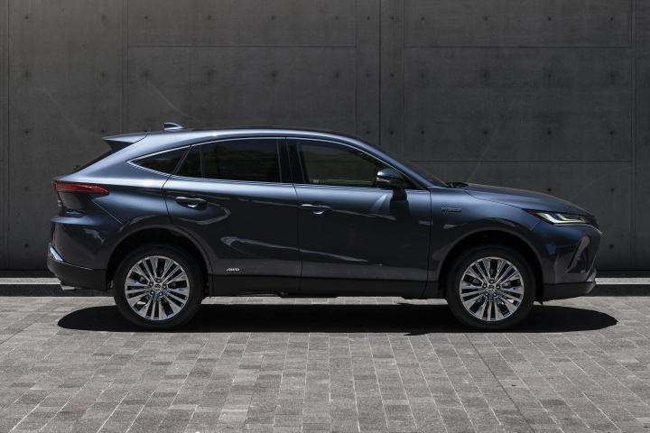 2021 Toyota Venza Limited passenger side