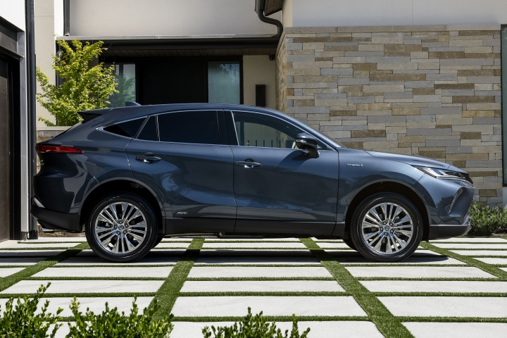 2021 Toyota Venza Limited electric cuv