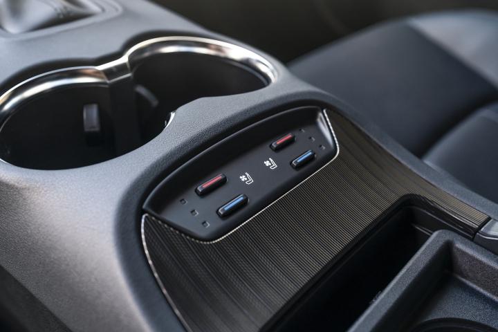 2021 Toyota Venza Limited seats temperature controls